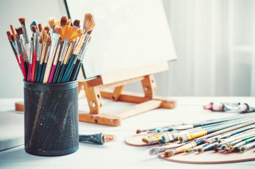 書く、描く、あらわす